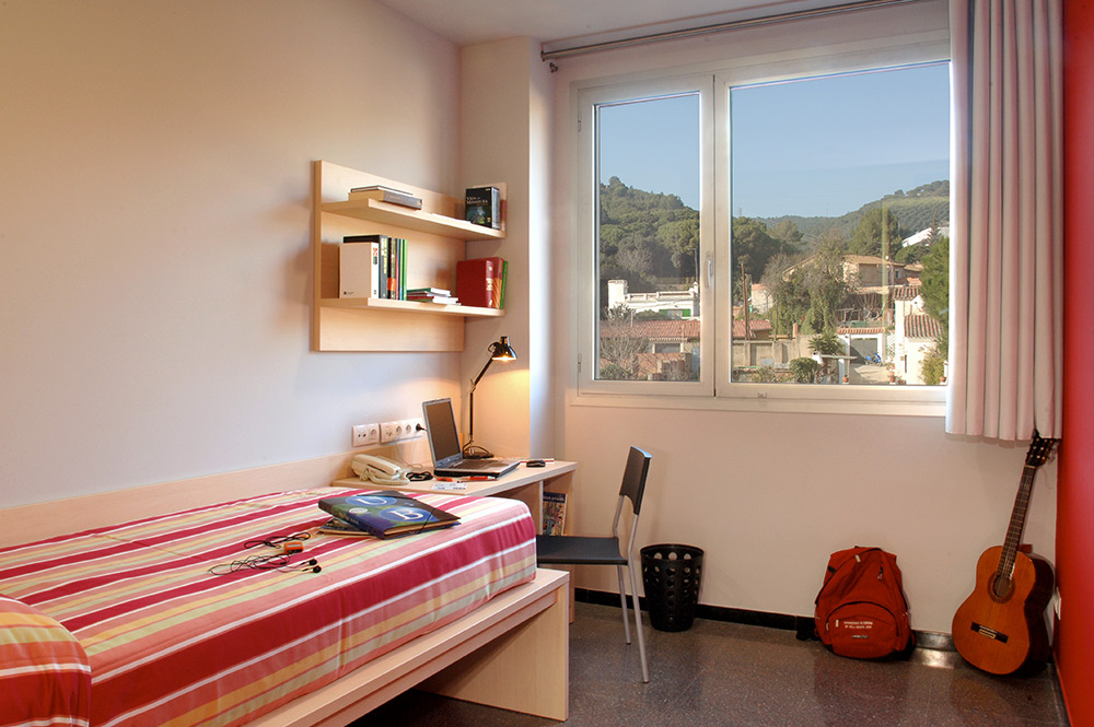 Enforex barcelona student residence