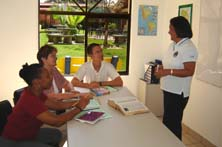 Students attending Spanish courses in Heredia